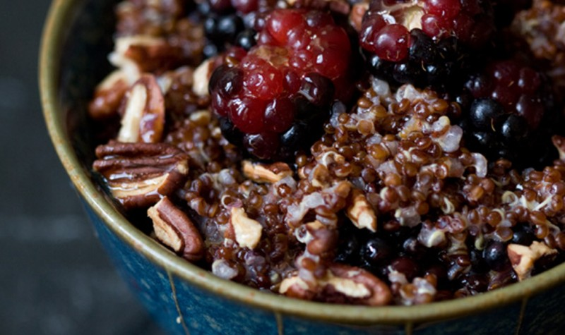 Quinoa Brei mit Nüssen